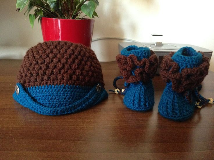 Baby booties and beanie crochet