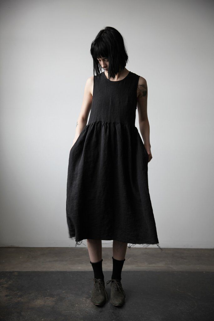 *BACK IN STOCK JUNE-JULY* Washed linen sleeveless dress, gathered at the…