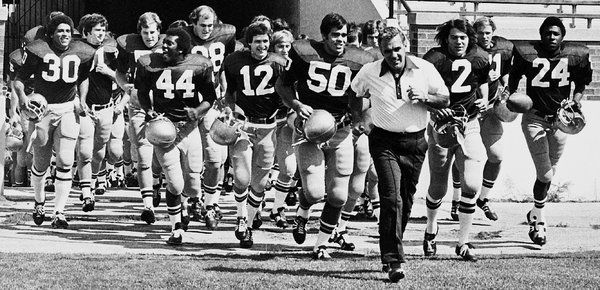 Ara Parseghian Coach Who Returned Notre Dame Football to Greatness Dies at 94