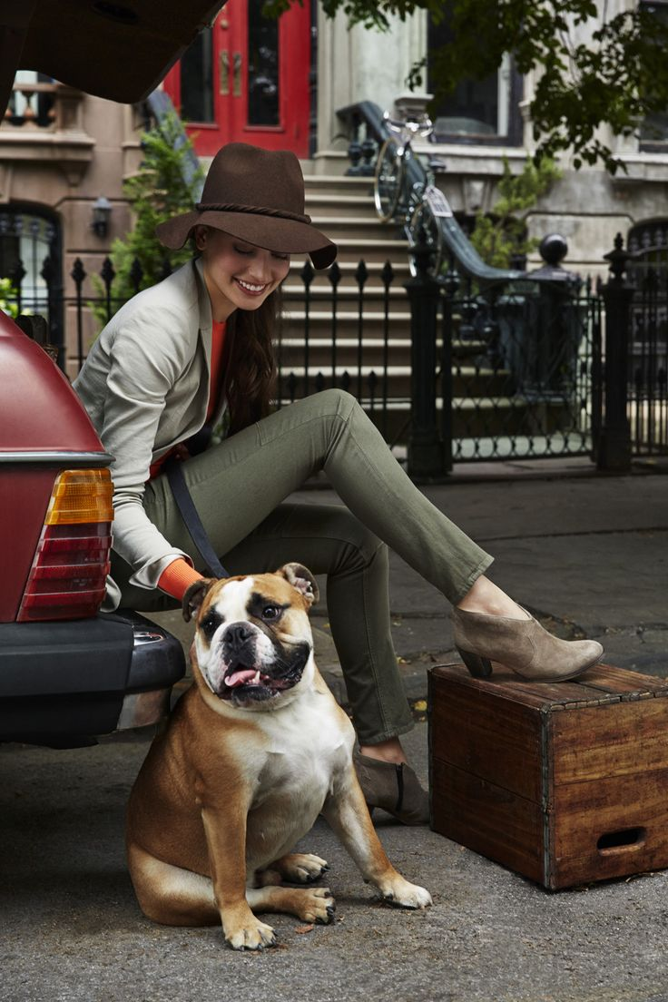 Love a suede bootie with olive skinnies and a cool hat. #johnstonmurphy #fallstyle #johnstonmurphy