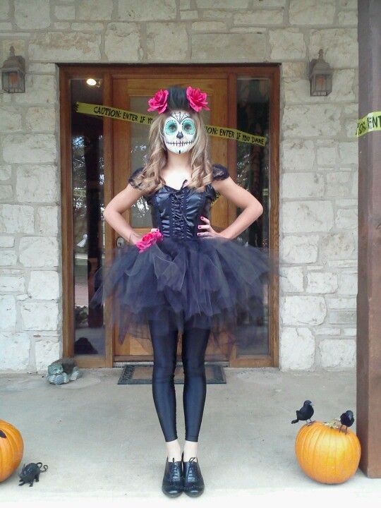 Best 25 sugar skull costume ideas on pinterest sugar skull i hope that kadence will be a sugar skull for halloween 3 please oh diy halloween costumeshalloween solutioingenieria Images