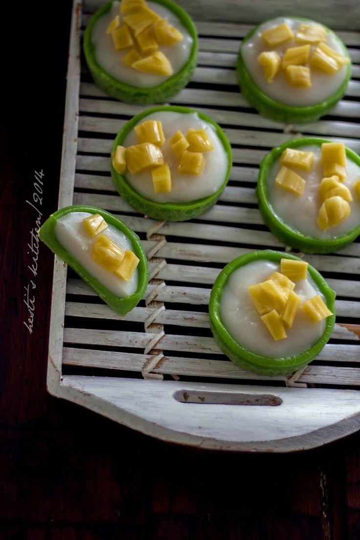 Mangkok Dadar Vla Nangka - Jackfruit Custard Crepe | Hesti's Kitchen