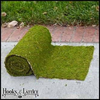 Artificial Moss Roll.. Can be used to cover the make shift bar, as a table runner or an aisle @noemitorres