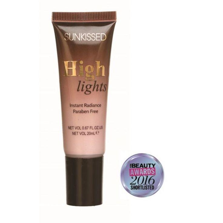 Χαρίστε λάμψη στο δέρμα σας με την απαλή και βελούδινη κρέμα highlighter από την Sunkissed! Η Highlights Radiance Cream έχει ιριδίζουσα και μεταξένια σύσταση, η οποία μπορεί εύκολα να αναμειχθεί με το foundation σας, για να προσδώσετε έξτρα λάμψη στην επιδερμίδα σας. Επίσης, εφαρμόζοντας σε ζυ