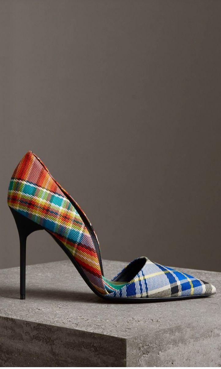 a1845dcf16 Burberry Fashion Designers, New Fashion, Tartan, Kitten Heels, Burberry,  Tweed,