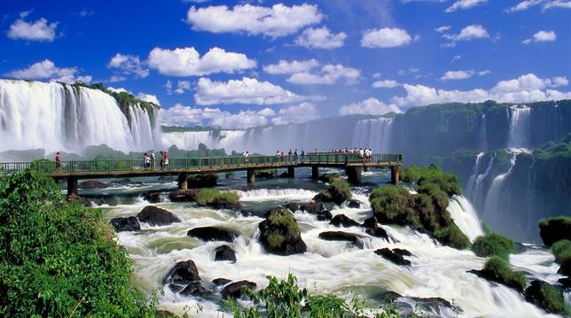 Iguaçu National Park - Located on Brazil's southern border with Argentina. I am absolutely dying to go there before I turn 30!