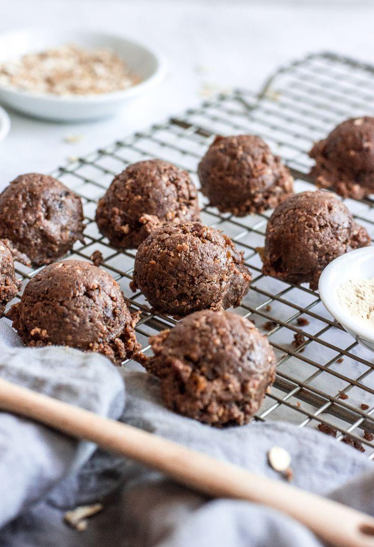 No-Bake Lactation Cookies with Fenugreek (Vegan + Gluten-Free) | easy lactation cookie recipe, healthy lactation cookies, vegan lactation cookies, gluten-free lactation cookies || The Butter Half via @thebutterhalf