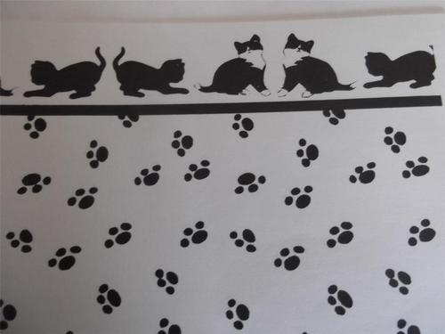 Wallpaper White Backround with Black Paw Prints Cat Border