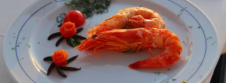 Choose from a wide selection of traditional Santorini and Greek appetizers, fresh crispy salads, international cuisine, and savoury deserts, while admiring the unique view of Santorini's Caldera...    http://www.volcano-view.com/santorini-caldera-restaurant.php