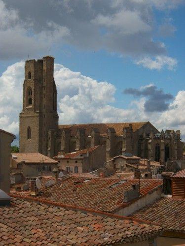 L'église Saint-Vincent dans la bastide Saint-Louis. Photo: Chroniques de Carcassonne