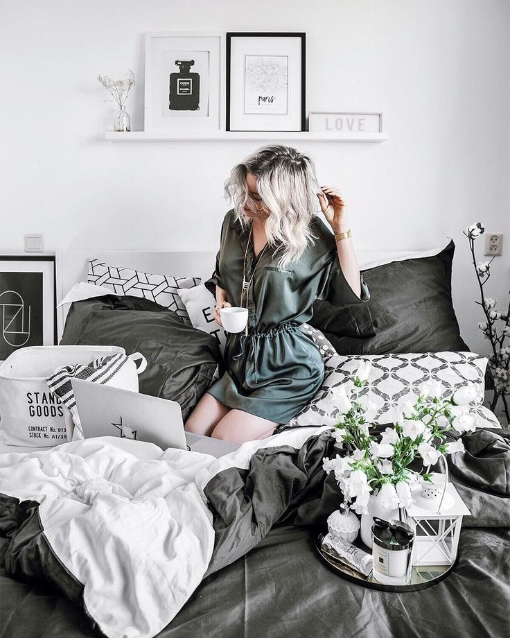 """2,027 Likes, 33 Comments - Style & Interior by Anne Britt (@thestylevisitor) on Instagram: """"L A Z Y S U N D A Y ✨ Ladies how amazing are these satin cotton bedsheets by @yumeko_amsterdam ? I…"""""""