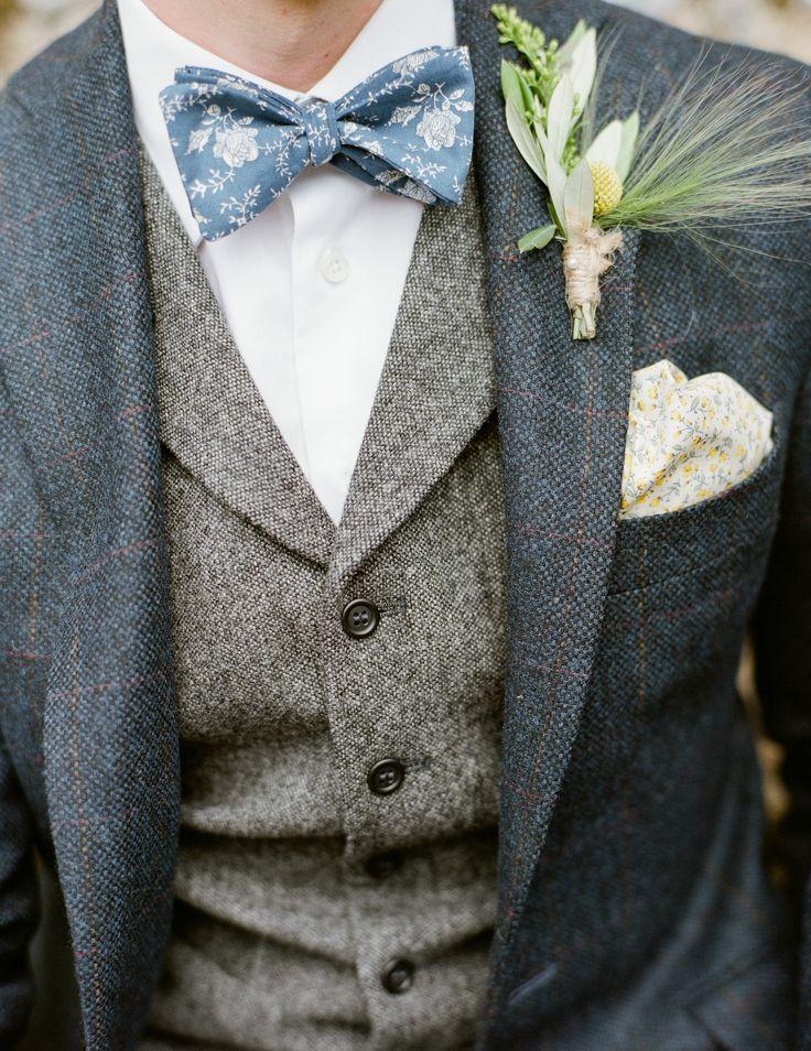 Rustic Tweed Groomsmen attire. Planning, Design & Coordination: Vanilla Rose Weddings. Photography: Julie Michaelsen. Venue: Voewood, Norfolk, UK.