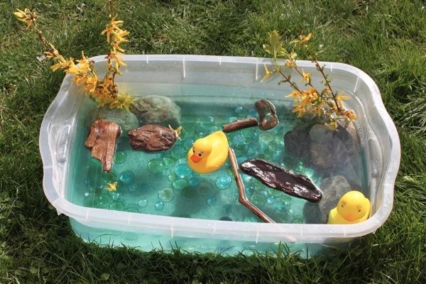 Duck pond sensory bin. So cute!