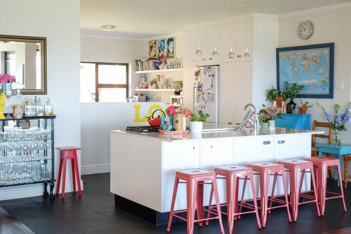 House Tour: A Colorful, Contemporary Cape Town Home | Apartment Therapy