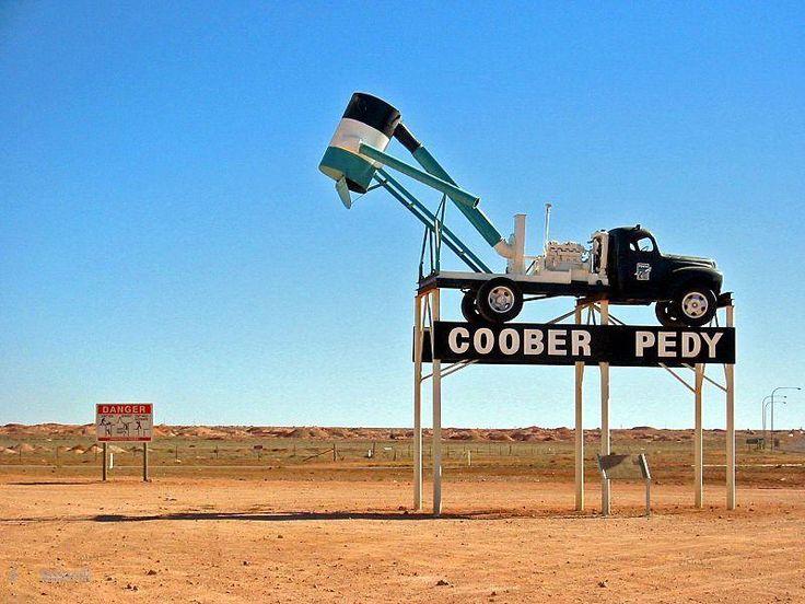 Кубер-Педи (Coober Pedy) – #Австралия #Южная_Австралия (#AU_SA) Кубер-Педи - туристическая достопримечательность и Мировая столица опалов. http://ru.esosedi.org/AU/SA/1000077816/kuber_pedi_coober_pedy_/