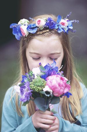 Little girl in floral headband...: Flowers Girls Hair, Hair Flowers, Flowers Bouquets, Flowers Headbands, Blue Flowers, Flowers Crowns, Bridal Flowers, Scottish Wedding, Floral Crowns
