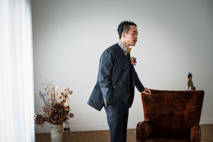 デニム素材のカジュアルなタキシードとウエディングスーツのレンタル・オーダーメイドを承ります。    #オーダータキシード 。  #タキシード #新郎衣装 #カジュアルウェディング #レンタルタキシード #ウェディングスーツ #お色直し #二次会新郎衣装 #ノーカラー #ノーカラースーツ #lifestyleorder #ライフスタイルオーダー