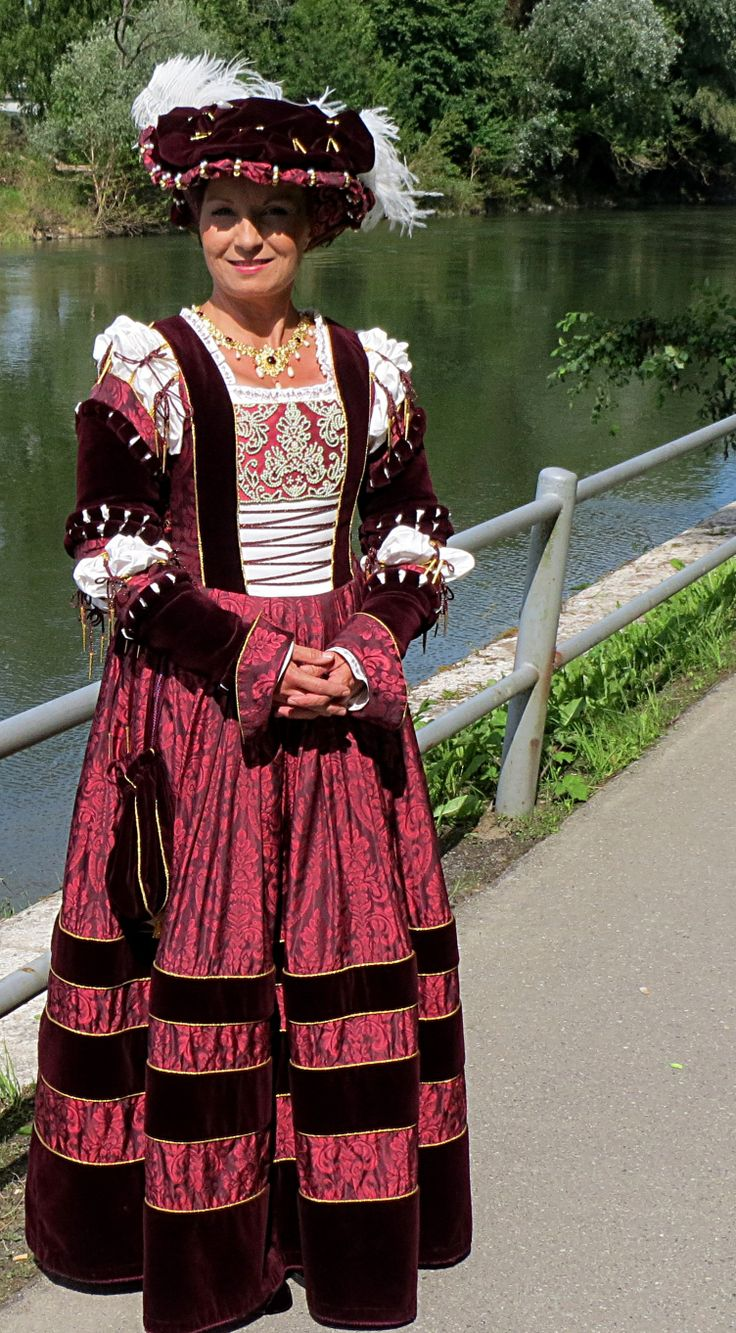 Images of German Renaissance Gown - #SpaceHero