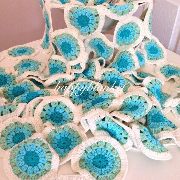 """Instagram'da Happy Blanket Design: """"Yillar once kendim icin yaptigim koltuk salim sizlerle paylasmak istedim  #happyblanket #blanket #crochet #crocheting #crochetdesign #crochetblanket #elisi #tigisi #handmade #knitting #homedecor #orgu #orgubattaniye #koltuksali"""""""