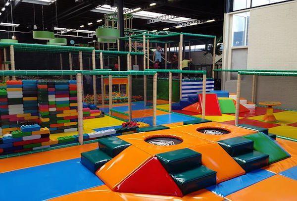 Heerlijk spelen in de leukste speeltuinen van Leiden en omgeving. Bekijk hier de 14 leukste: https://www.fijnuit.nl/blog/fijne-speeltuinen-in-leiden-en-omgeving