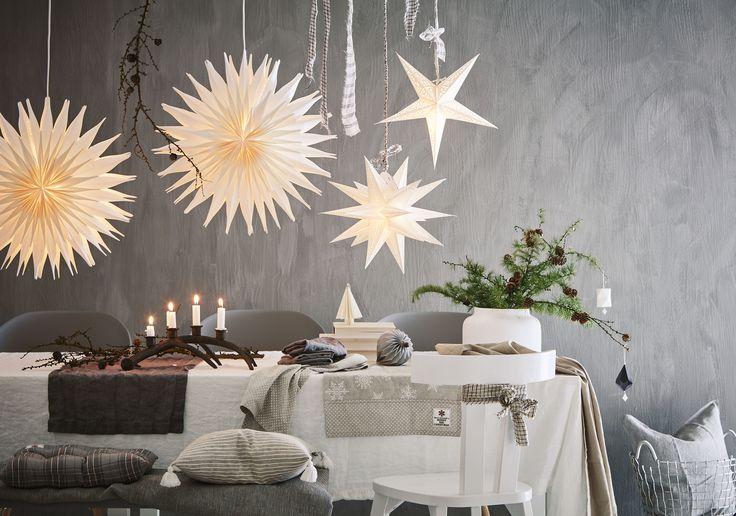 Skapa myset genom många ljuskällor. Allt från stjärnor till minsta slinga gör julstämningen.