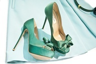 Pumps with blue bow