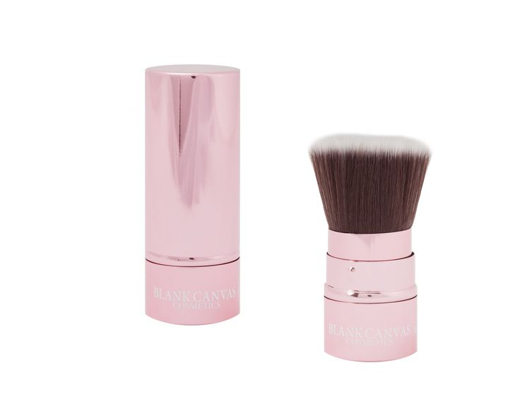 The MEDIUM retractable version of the F20, available in GLOSSY BLACK or METALLIC BABY PINK is ideal for your handbag due to it's size and easy storage. It's MEDIUM flat shaped top is perfect for foundation or powder. Perfect for travel and girls on the go! Can be used at an angle for quick and easy contouring /blush/highlighter. Simply tilt the lid as you close your retractable and pop into your bag. Synthetic bristles.