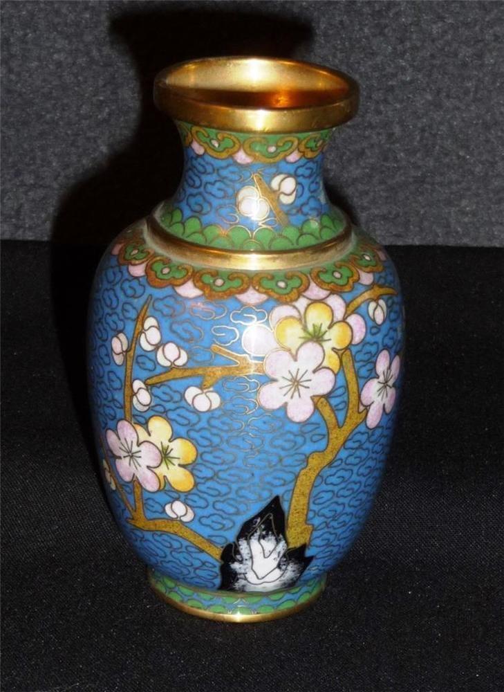 Vintage 4 25 Quot Chinese Cloisonne Vase Blue Enamel Cherry