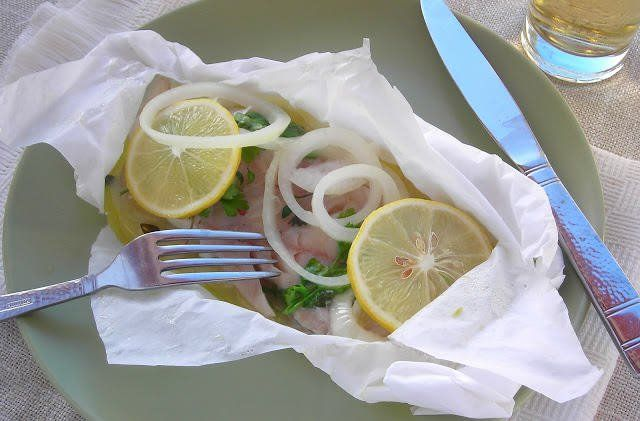 Pressure Cooker Fish in a Packet (Pesce al Cartoccio) Al cartoccio in Italian, also known as packet cooking or by the French term en pallion is a way to steam fish in it's own juices with aromatics and vegetab