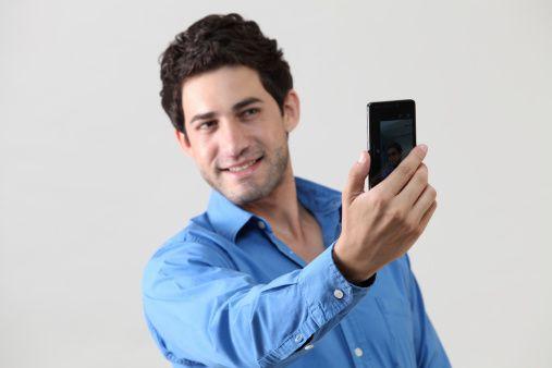 Un estudio llevado a cabo en la Universidad estatal de Ohio, revela lo que muchos pueden haber sospechado, y es que la realización y publicación de gran cantidad de selfies, puede estar relacionada con ciertos 'características' psicológicas de mediana importancia.