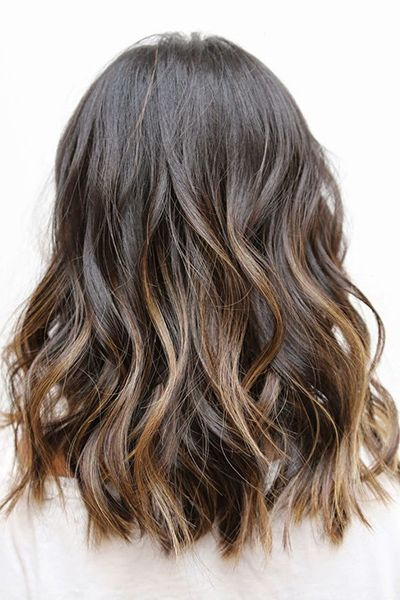 50 haircuts to copy right now   wavy hair with sombré highlights