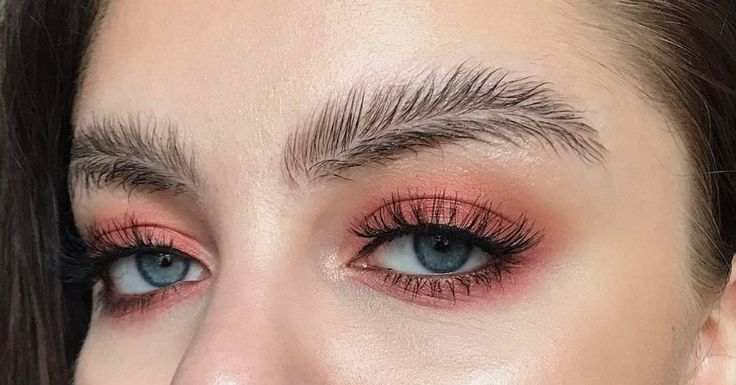 """Finnish makeup artist Stella Sironen has invented what she calls """"feather brows"""" and the Internet is having a field day with them."""