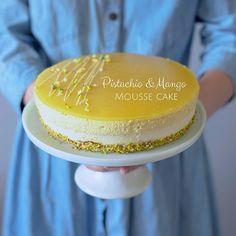Фисташковый торт с муссом из белого шоколада и манго
