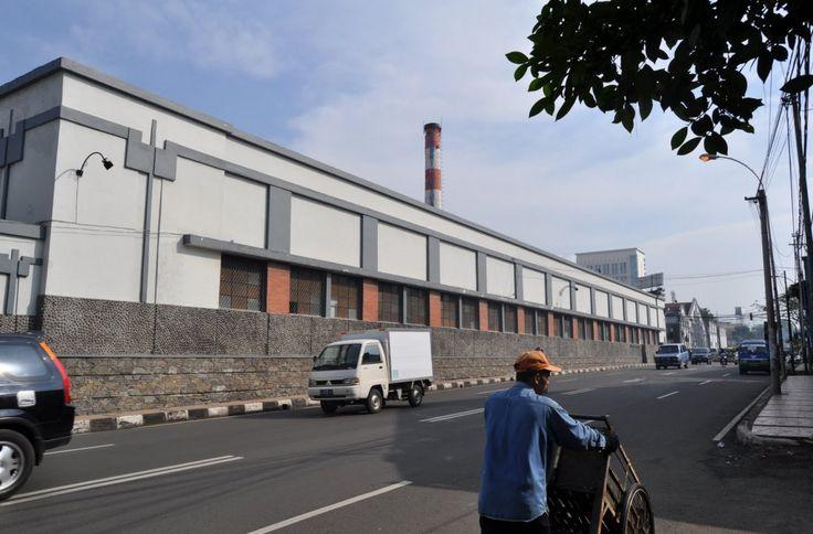 SPORTOURISM– Saya berkesempatan mengunjungi sebuah jaringan air peninggalan pemerintah Hindia Belanda yang terletak di belakang Pabrik Kina di Bandung. Tak aneh bila tak banyak orang yang ta…
