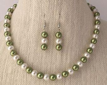 Collar de perlas verde de salvia, salvia verde joyería nupcial conjunto, salvia verde boda, regalo de joyería de la boda de Dama de honor, joyería de cuentas perlas