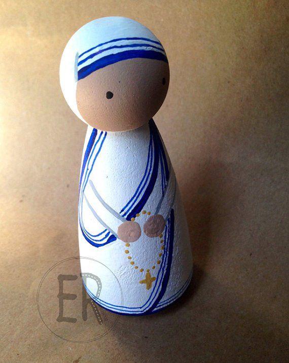 Mother Teresa of Calcutta - paint a peg doll.
