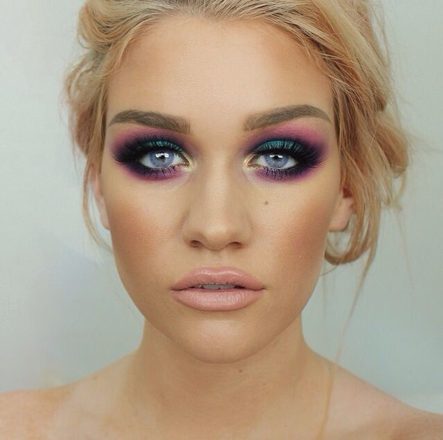 Urban Decay Electric Palette look by Samantha at Batalash Beauty
