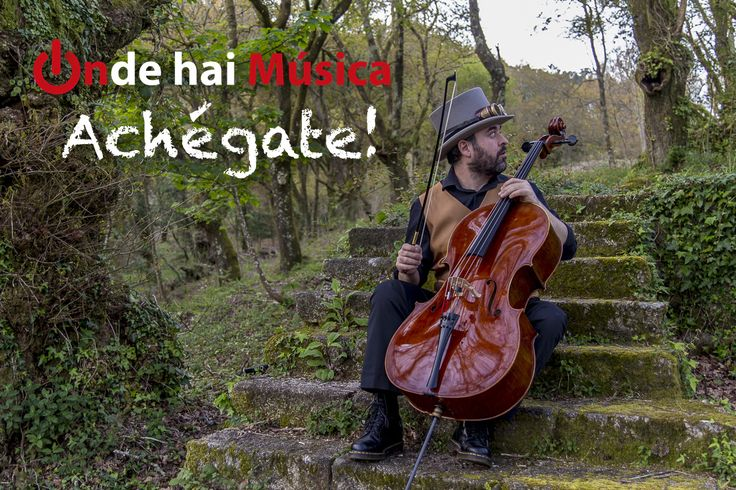 Carlos García Amigo tocando ó chelo na Selva Negra, Santiago Compostela.   ondehaimusica.galiciasustentable.org  www.facebook/ondehaimusica    Fotografía Xaime Cortizo