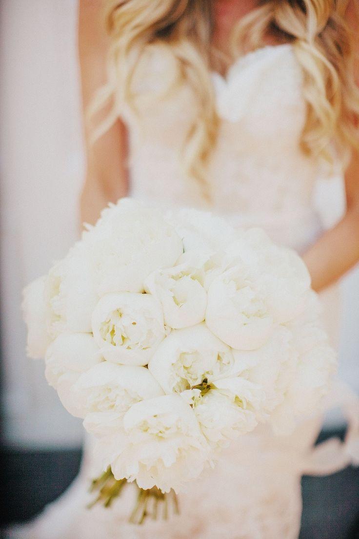 #peony, #white  Photography: Tyler Branch - tylerbranchphoto.com/  Read More: http://www.stylemepretty.com/california-weddings/2014/11/05/vintage-chic-bel-air-estate-wedding/