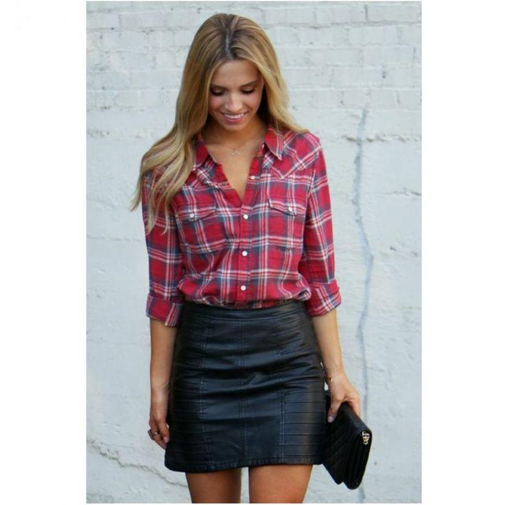 Chemise à carreaux et jupe en cuir