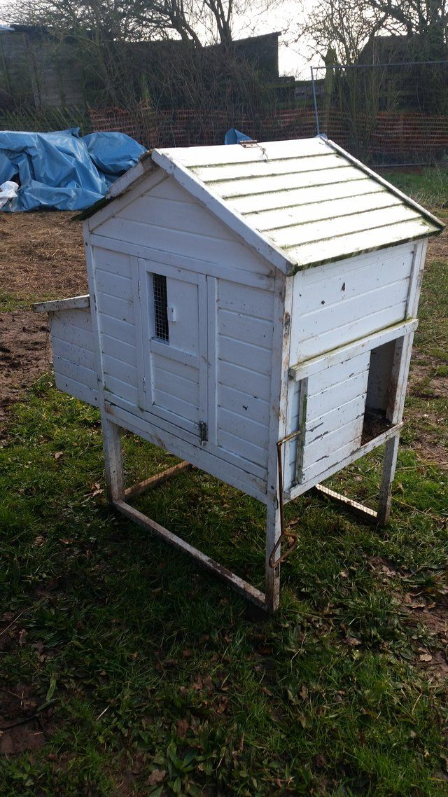 Small chicken coop For Sale in Castle Gresley, Derbyshire | Preloved
