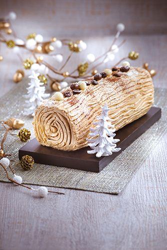 Bûche au café, idéal pour un dessert de Noël.  Réalisé avec le robot Masterchef Gourmet de Moulinex.  #MarielysLorthios #Photographe #Christmas