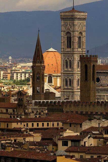 Firenze, il campanile di Giotto: