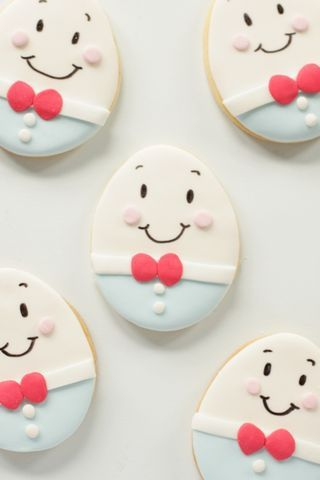 Terrifically cute Humpty Dumpty Decorated Cookies. Cute for baby shower or nursery rhyme mother goose birthday party