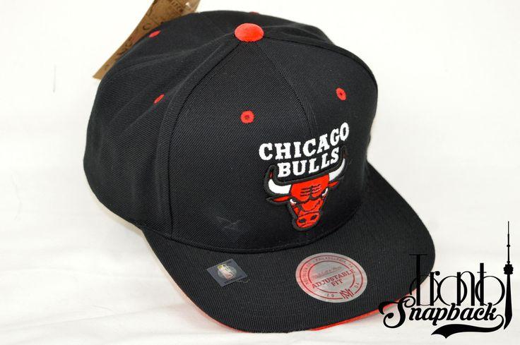 CHICAGO BULLS SOLID VELOUR LOGO MITCHELL & NESS SNAPBACK / Toronto Snapback