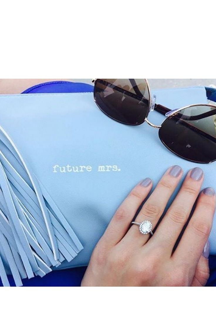 Future Mrs. clutch: http://www.stylemepretty.com/2016/05/05/smpringselfie-hall-of-fame/