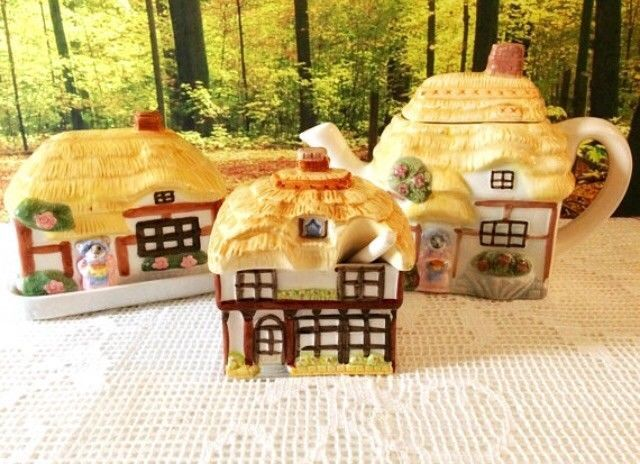 Cottage Ware set vintage thatched house three pieces unusual animal theme rare