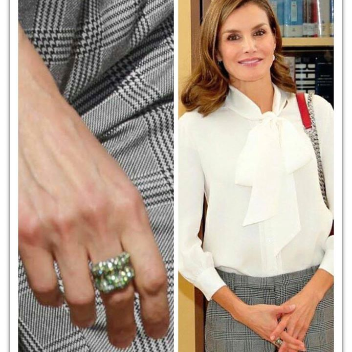 Queen Letizia attends the opening of vocational training course 2017/2018 at the Segundo de Chomon Secondary School in Teruel. 27 September 2017