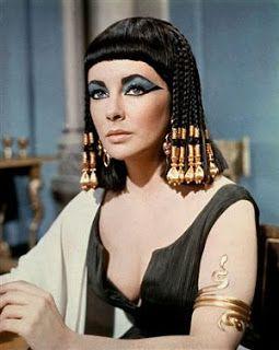 Tras las arenas del tiempo: Moda egipcia Cleopatra as AdriBel