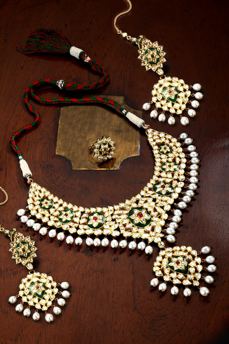 Kundan necklace set with uncut diamonds and enamel